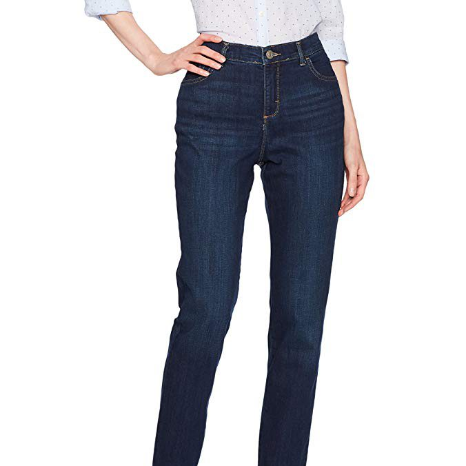 17 Best Jeans That Make You Look Slimmer and Hide Your Flaws
